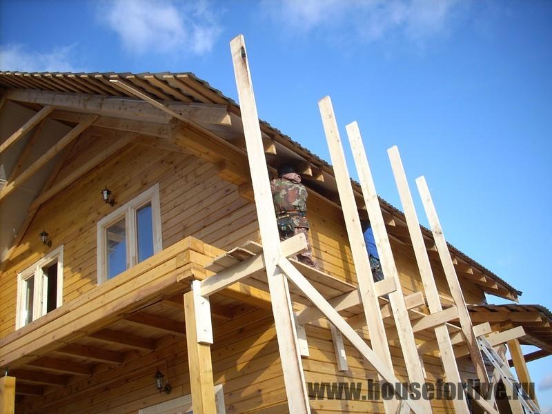 Монтаж подлетов и карнизов крыши